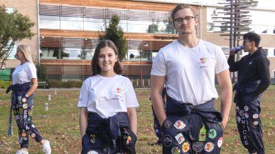 Sofia Koivunen och Alexander Söderback på Finlandssvenska nationens kick off.