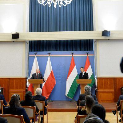 Unkari, Puola, tiedotustilaisuus
