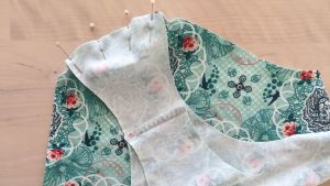alushousujen kangaspalat neulottu yhteensä