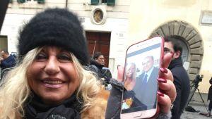 Annalisa stöder Berlusconi