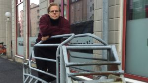 Veikka Lahtinen demonstrerar svinbur