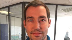 Sylvain Lemarche driver ett start-up företag.