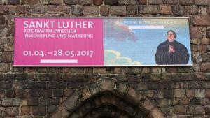 Sankt Luther. Utställning om Lutherkulten i Berlin.