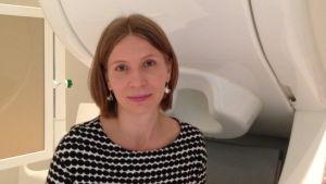 Hjärnforskaren Annika Hultén på sitt kontor