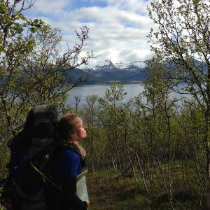 Minttu vaeltamassa Pohjois-Norjassa