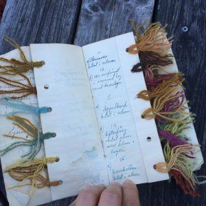 Växtfärgningsprover från tidigt 1900-tal.