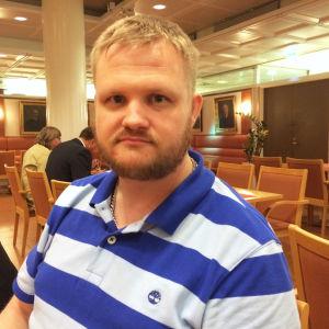 Teemu Lahtinen, sannfinländare i Esbo fullmäktige