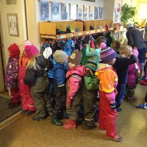Barn på Barnabo i Jakobstad.
