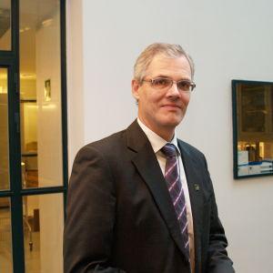 Forskningsprofessor Guy Ahonen vid Arbetshälsoinstitutet.