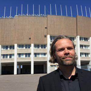 Arkkitehti Kimmo Lintula ja Helsingin olympiastadion