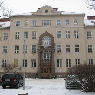 Huvudbyggnaden på Ekåsens psykiatriska sjukhus, ett gammalt stenhus.