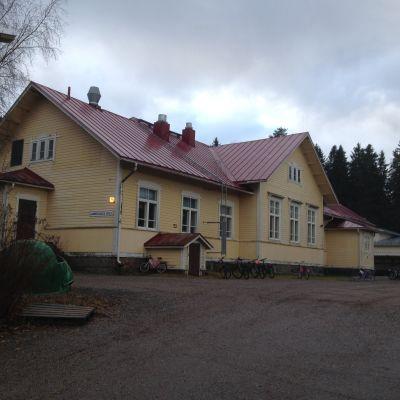 Gammelbacka skolas huvudbyggnad.