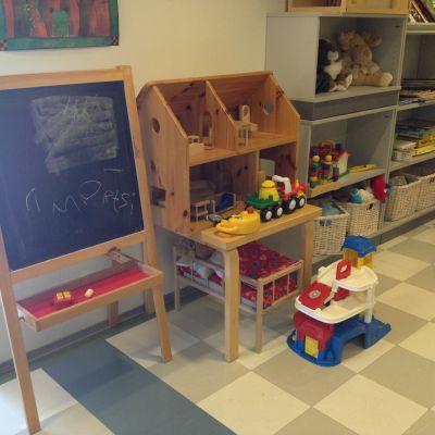 leksaker i Helsingfors barnskydds väntrum