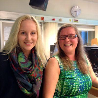 Sarah Bergkulla och Pia Leinonen arrangerar Vasa picnic