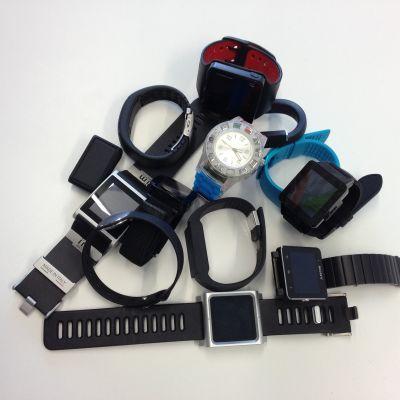 klockor, armbandsdatorer