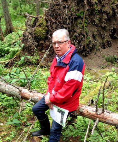 Stefan Skog uppskattar skogen.