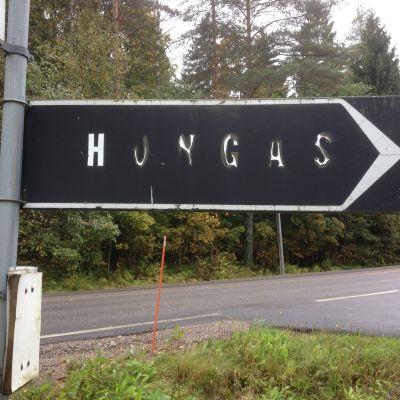 Skylt till Hongas servicehus
