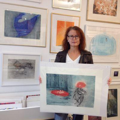 Veronica Ringbom, konstnär och ordförande för Åbo Konstgrafiker