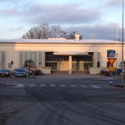 Västra Nylands tingsrätt, kansliet i Ekenäs.