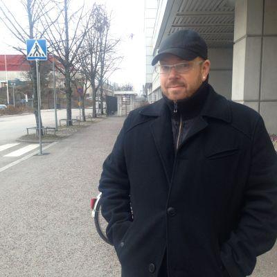 Janne Antin besöker Radiohuset på den internationella aidsdagen