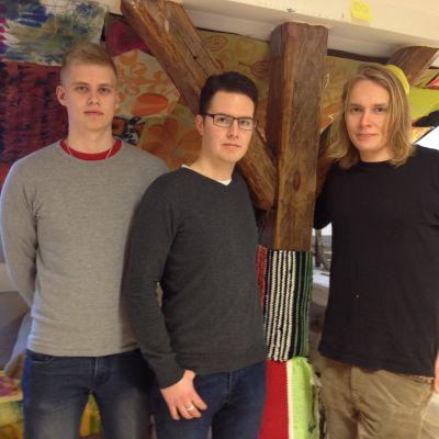 Möbelformgivarna Jonatan Svenfors, Martin Larsson och Casper Tuomaala