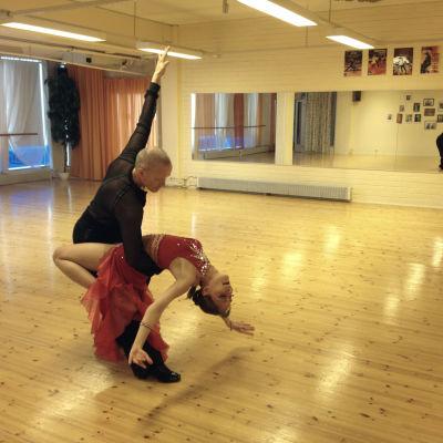 Ari Hinttu, Marika Boström, tävlingsdans, rumba