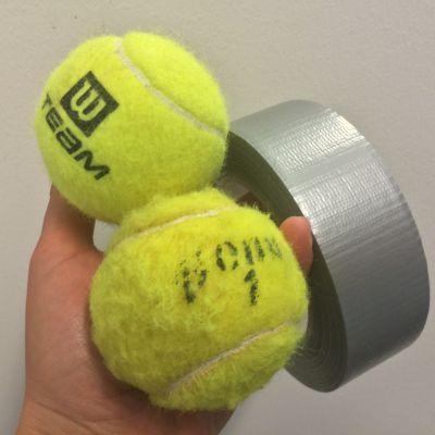 tennispallot ja jesari päivikin kädessä