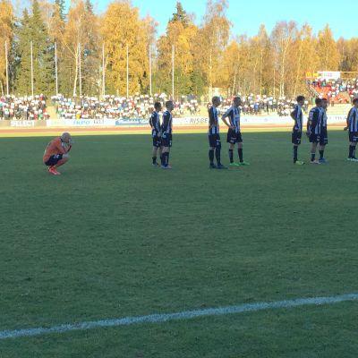 Henri Sillanpää rörd av fansens hyllningar