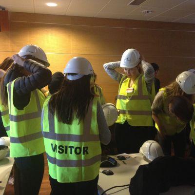 Elever från Vasa gymnasium bekantade sig med Wärtsilä.