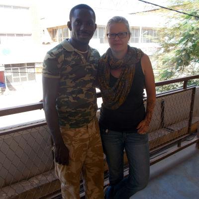 Linda Karvinen och Sibiri Konatés hemresa försenades på grund av terrordåd.