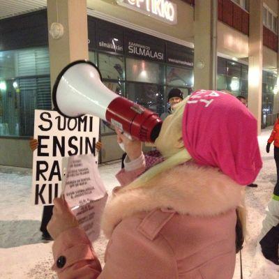 Stäng gränserna demonstration i S:t Karins