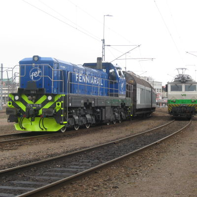 Diesellok tillhörande privatägda FenniaRail i Kotka, april 2016.