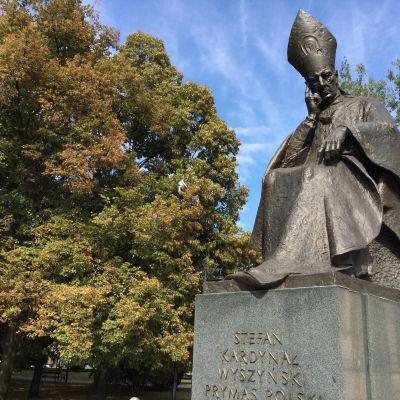 Staty på kardinal Stefan Wyszynski i Warszawa