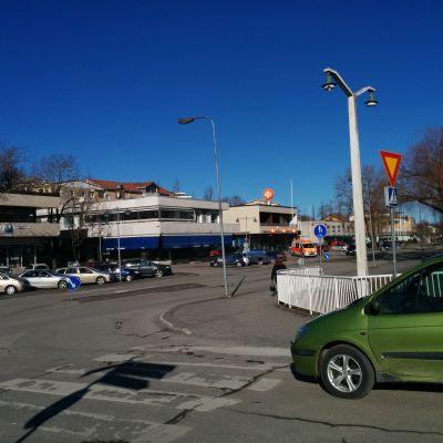 Korsningen vid Strandvägen i centrum av Pargas.