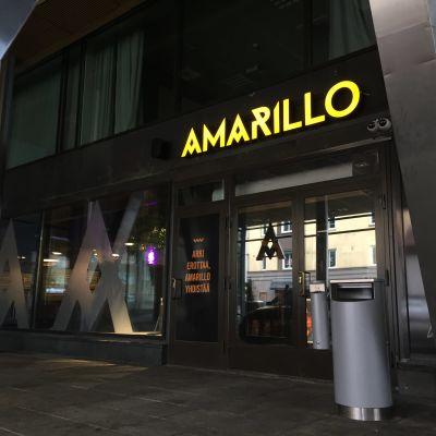 Ravintola Amarillon sisäänkäynti