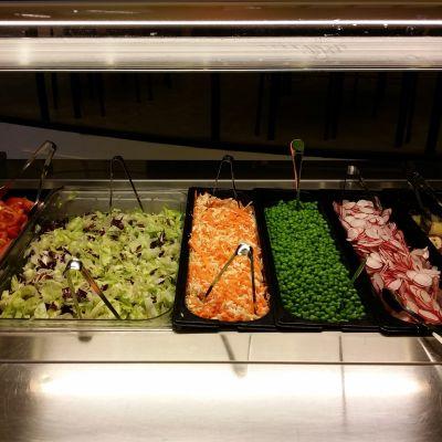 HRSK:n salaattipöydän antimia