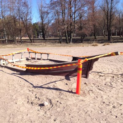 Söndrig sandlåda i Havsbadsparken på Drumsö.