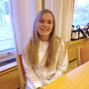 Kandidat nummer 1, Carolina Wendelin från Karis.