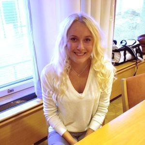Kandidat nummer 7, Elin Andersson från Ekenäs.