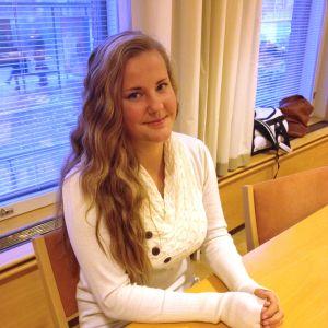 Kandidat nummer 2, Eleonor Heikkinen från Hangö.