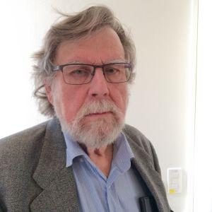 Kuvassa tutkija Martti Soramäki.