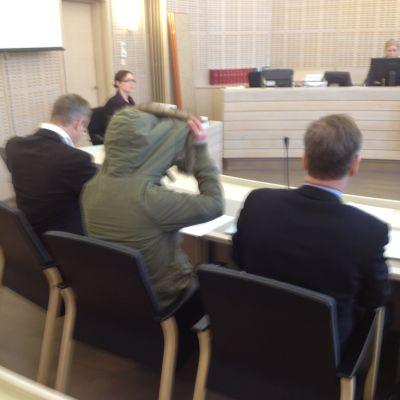 Dråprättegången inleddes i morse