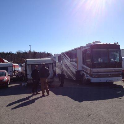 Cirkus husbil och husvagnar