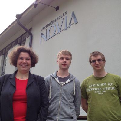 Heidi Gillberg,Richard Lönnqvist och Benjamin Ekholm har designat en mobilapplikation som skall hjälpa studerande med studierna.