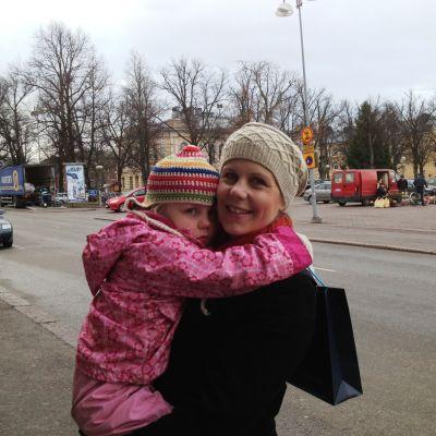 Kirsi Kaitainen och dottern Frida