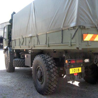 Militär terränglastbil av märket Sisu.