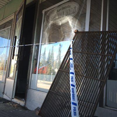 Pizzeria tuhoutui tulipalossa