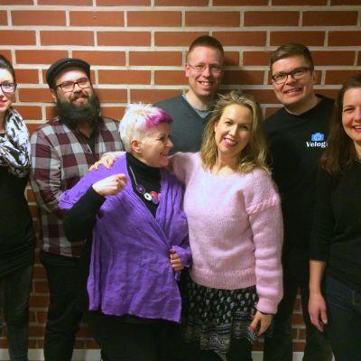 Kati, Stefan, Maiju, Tommi, Iriz, Risto ja Anna ovat aikuistubettajia.