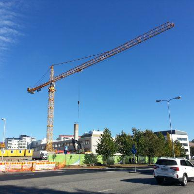 nosturi rakennustyömaalla rakentaminen asuntorakentaminen yit kiela rovaniemi