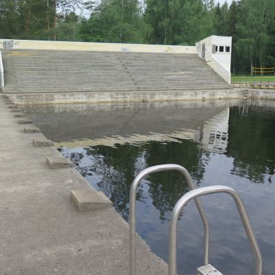 Valkeakosken Kirjaslammen uimala kesällä 2019 ennen remonttia.